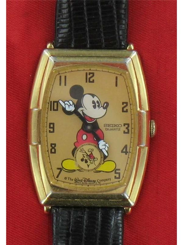 Rare Vintage Seiko Mickey Mouse Watch Gold Face 2K03 5009 cVideo