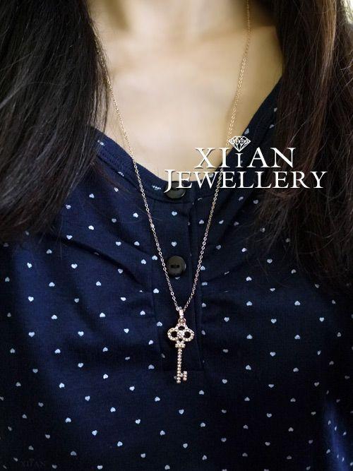 18K Rose Gold Plated Swarovski Crystals Key Necklace,N175