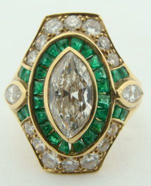 Ladies Estate 18K Yellow Gold Diamond & Emerald Ring